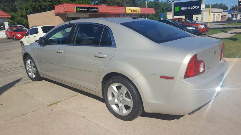 2010 Chevrolet Malibu LS 4dr Sedan - Grand Rapids MI