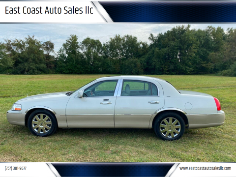 2004 Lincoln Town Car for sale at East Coast Auto Sales llc in Virginia Beach VA