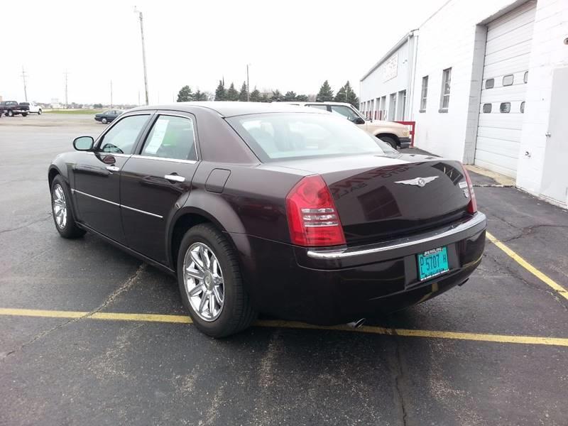 2005 Chrysler 300 C 4dr Sedan - Rochelle IL