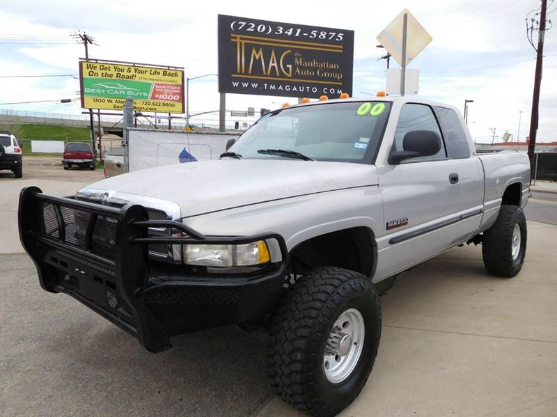2000 Dodge Ram Pickup 2500 for sale at THE MANHATTAN AUTO GROUP in Greeley CO