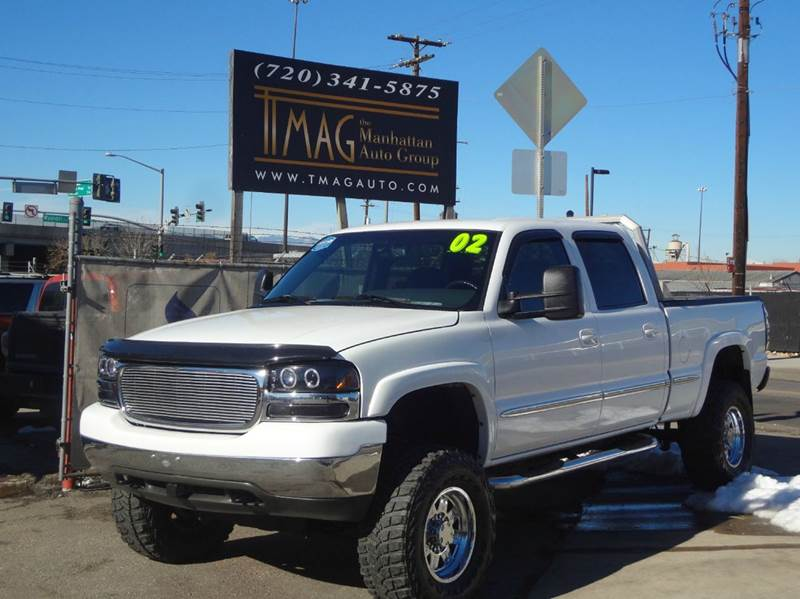 2002 GMC Sierra 2500HD for sale at THE MANHATTAN AUTO GROUP in Greeley CO