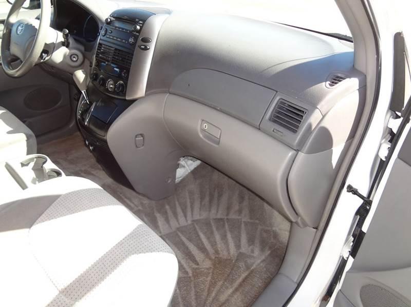 2007 Toyota Sienna LE 7-Passenger 4dr Mini-Van - Greeley CO