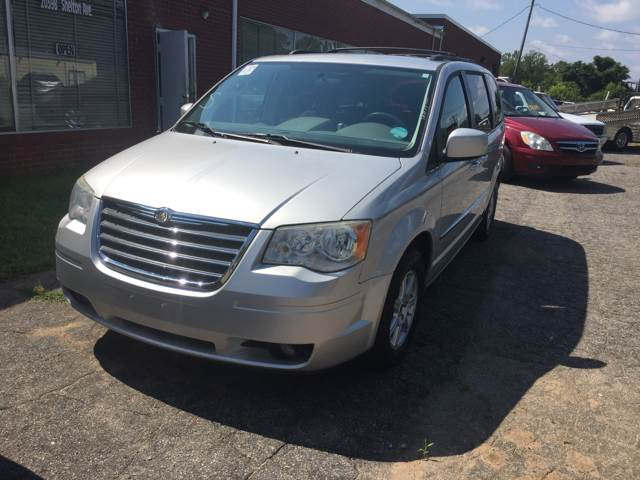 2010 Chrysler Town and Country Touring 4dr Mini-Van - Statesville NC