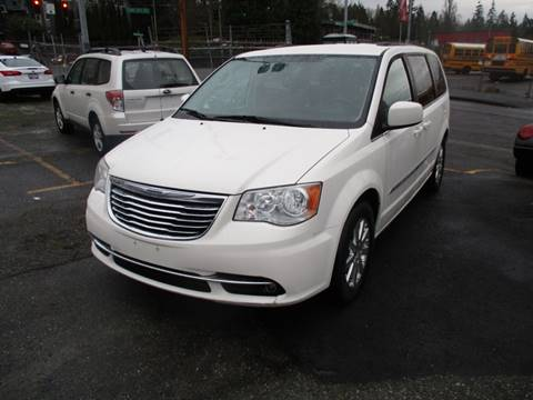 2013 Chrysler Town and Country for sale in Seattle, WA