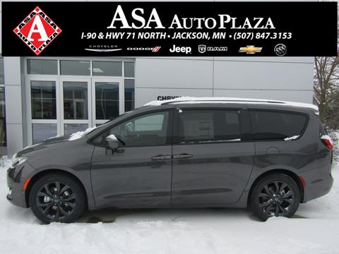 2020 Chrysler Pacifica for sale in Jackson, MN
