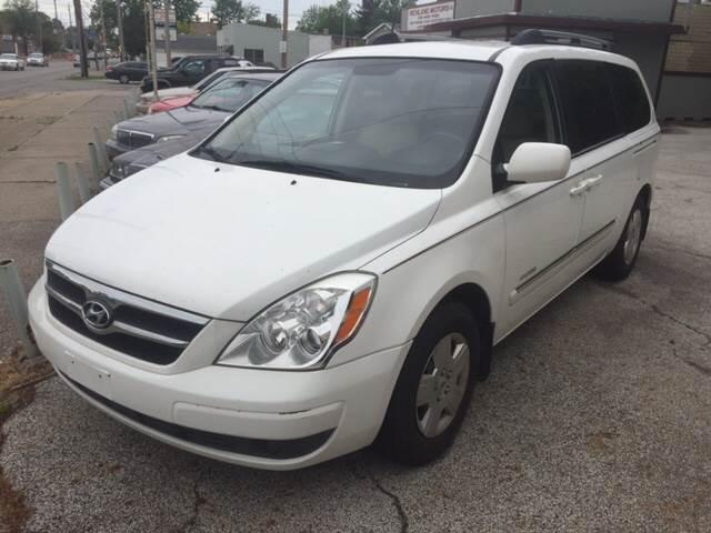 2008 Hyundai Entourage GLS Mini-Van 4dr - Cleveland OH