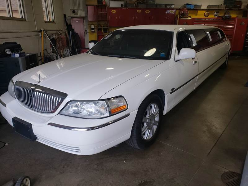 2007 Lincoln Town Car Executive In Cleveland Oh Richland Motors