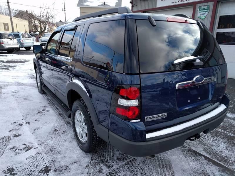2006 Ford Explorer XLT 4dr SUV 4WD w/V6 - Cleveland OH