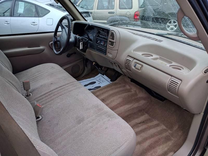1996 Chevrolet C/K 1500 Series 2dr C1500 Cheyenne Standard Cab LB - Cleveland OH
