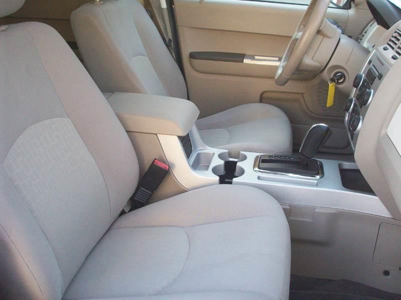 2008 Mercury Mariner V6 4dr SUV - Cleveland OH