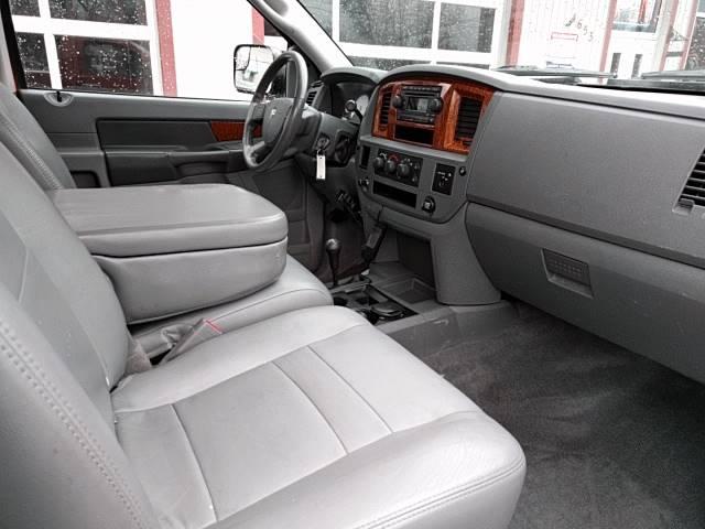 2006 Dodge Ram Pickup 2500 SLT 2dr Regular Cab 4WD LB - Cleveland OH
