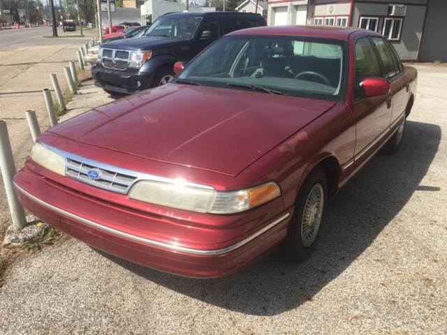 1996 Ford Crown Victoria 4dr Sedan - Cleveland OH