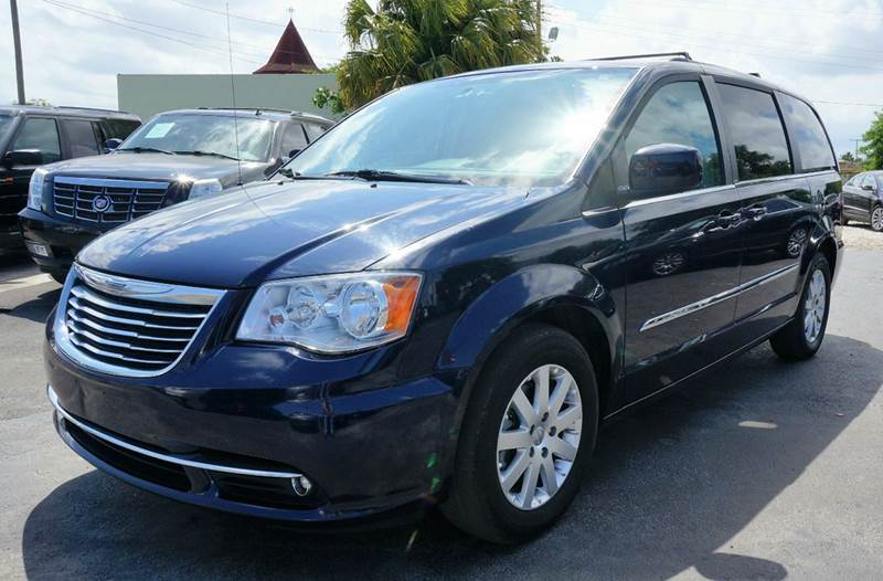 2014 CHRYSLER TOWN AND COUNTRY TOURING 4DR MINI VAN true blue pearlcoat 316 axle ratio17 x 6