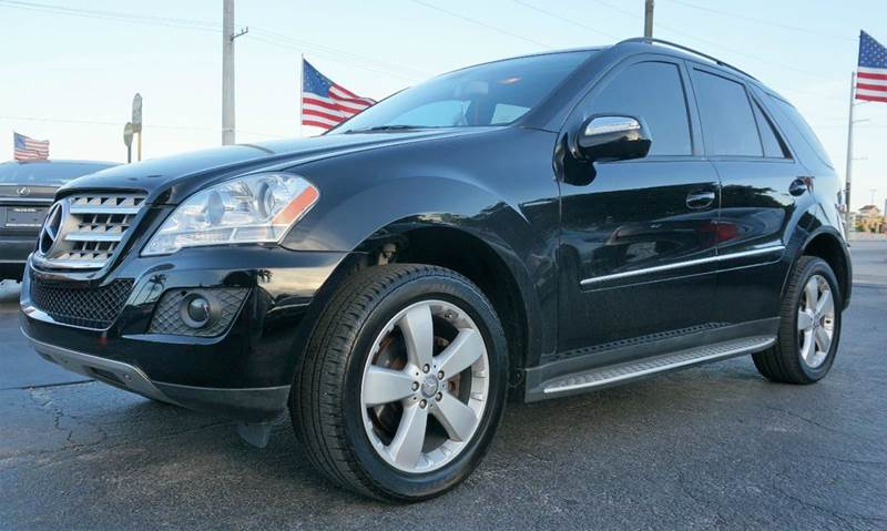2009 MERCEDES-BENZ M-CLASS ML 350 4DR SUV black 390 axle ratiofront bucket seatsmb-tex leather