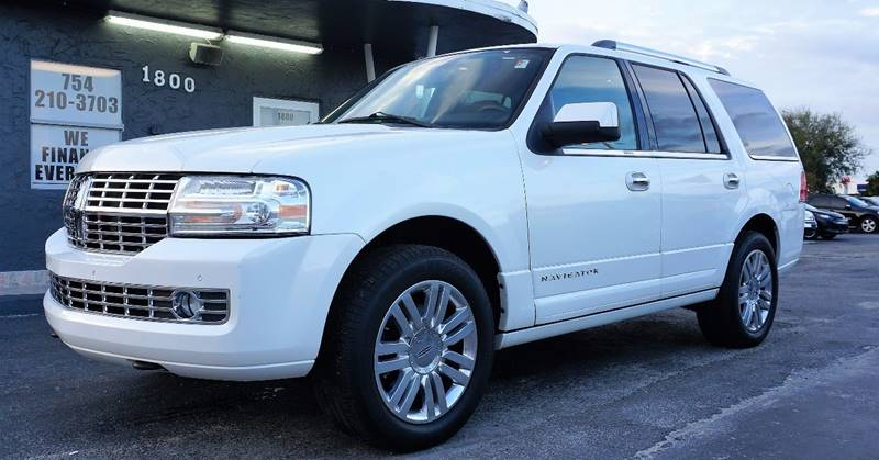 2011 LINCOLN NAVIGATOR BASE 4X2 4DR SUV white call 1-754-210-3703 for sales this vehicle fully