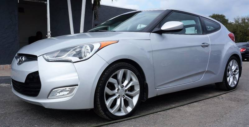 2012 HYUNDAI VELOSTER BASE 3DR COUPE WBLACK SEATS silver exhaust - dual tip door handle color -
