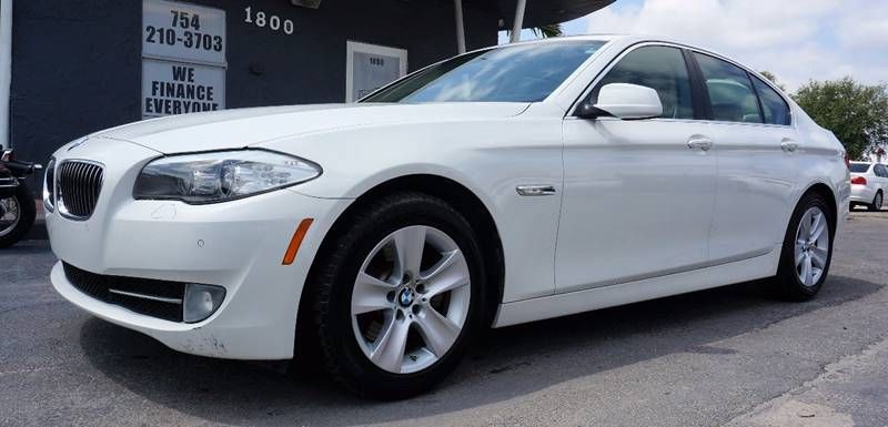 2012 BMW 5 SERIES 528I 4DR SEDAN alpine white power front seatsleatherette upholsteryradio hd