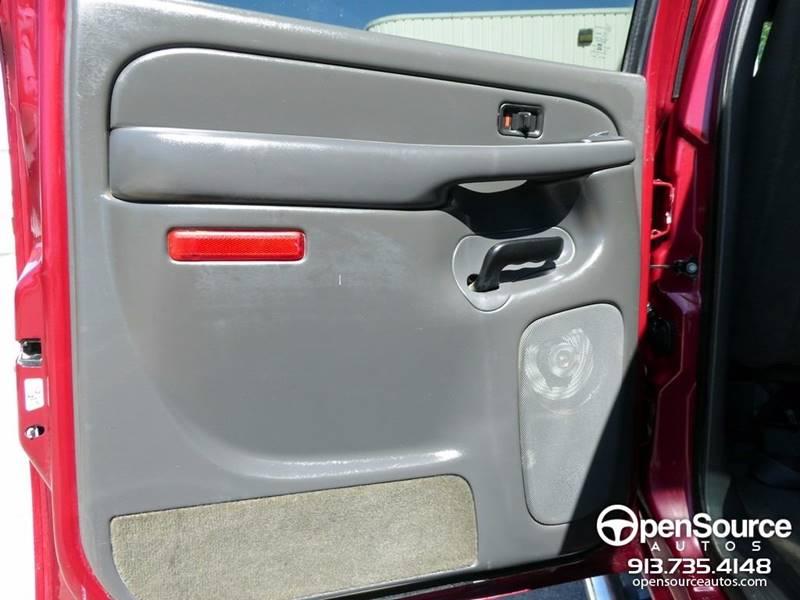 2005 Chevrolet Silverado 2500HD 4dr Crew Cab LS 4WD LB - Mission KS