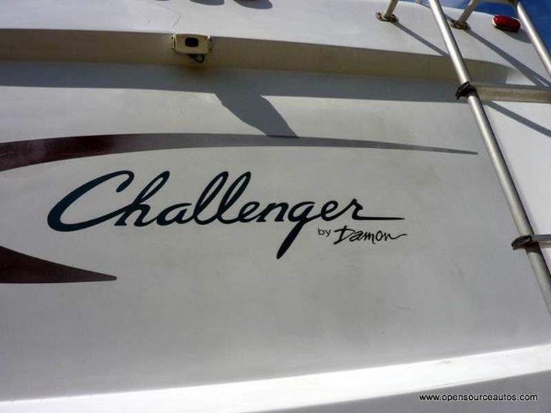 2003 Damon Challenger  M-348 RV - Mission KS