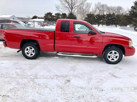 2005 Dodge Dakota for sale at Iowa Auto Sales, Inc in Sioux City IA