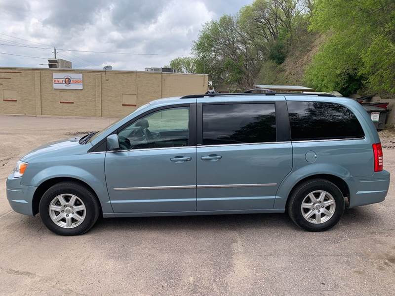 2010 Chrysler Town and Country for sale at Iowa Auto Sales, Inc in Sioux City IA