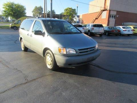 2000 Toyota Sienna for sale in Fenton, MO