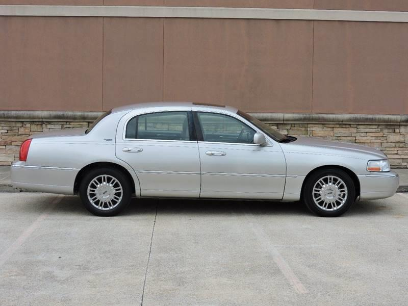 2007 Lincoln Town Car Signature Limited 4dr Sedan - Houston TX