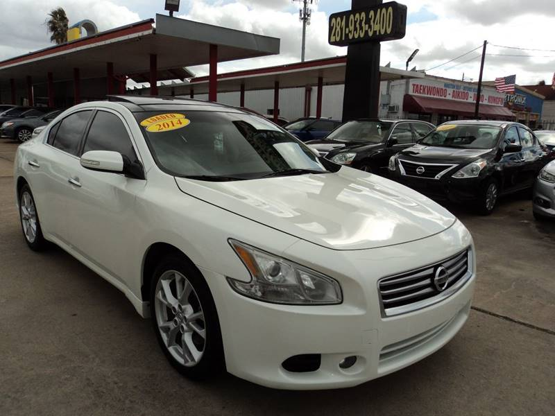 for sale in s houston versa nissan