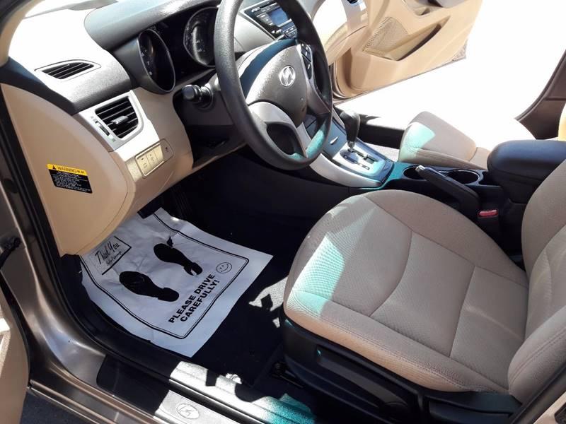 2013 Hyundai Elantra GLS 4dr Sedan - Pueblo CO