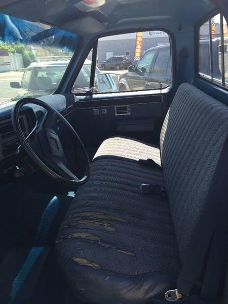 1986 Chevrolet C/K 10 Series 2dr C10 Scottsdale Standard Cab LB - Cheyenne WY
