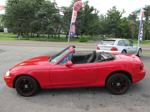 1999 Mazda MX-5 Miata for sale at GEG Automotive in Gilbertsville PA