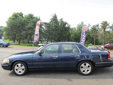 2005 Ford Crown Victoria for sale at GEG Automotive in Gilbertsville PA