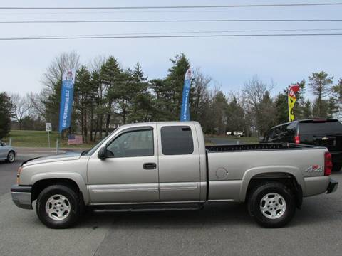 2003 Chevrolet Silverado 1500 for sale at GEG Automotive in Gilbertsville PA