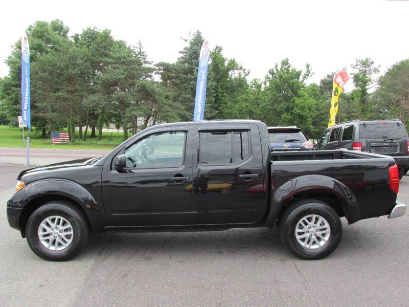 075119803c 2016 Nissan Frontier 4x4 SV 4dr Crew Cab 5 ft. SB Pickup 5A In  Gilbertsville PA - GEG Automotive