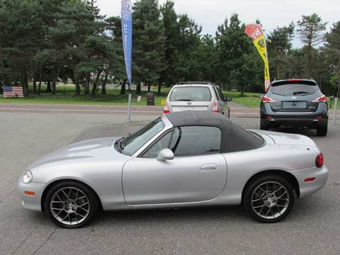 2004 Mazda MX-5 Miata for sale at GEG Automotive in Gilbertsville PA