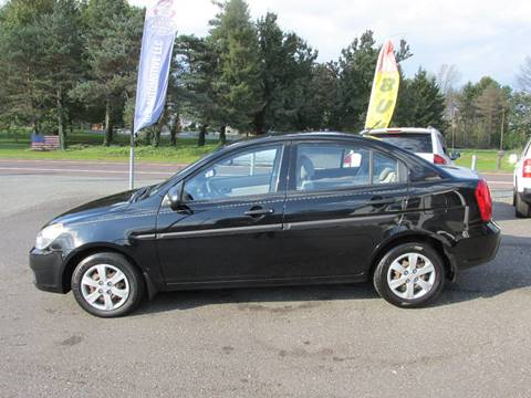 2009 Hyundai Accent for sale at GEG Automotive in Gilbertsville PA