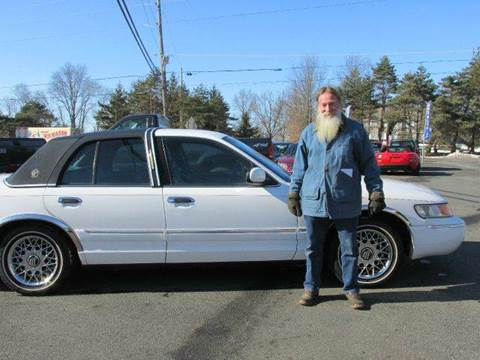 2002 Mercury Grand Marquis for sale at GEG Automotive in Gilbertsville PA