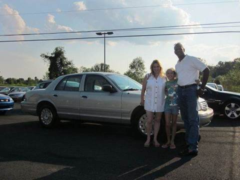 2004 Ford Crown Victoria for sale at GEG Automotive in Gilbertsville PA