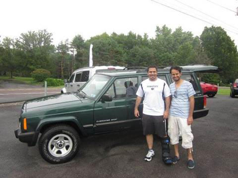 2001 Jeep Cherokee for sale at GEG Automotive in Gilbertsville PA