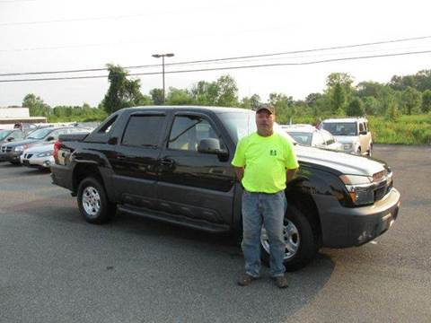 2003 Chevrolet Avalanche for sale at GEG Automotive in Gilbertsville PA