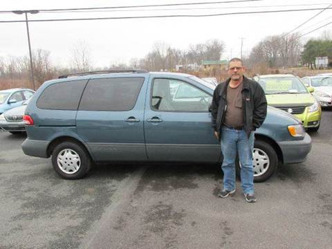 2001 Toyota Sienna for sale at GEG Automotive in Gilbertsville PA