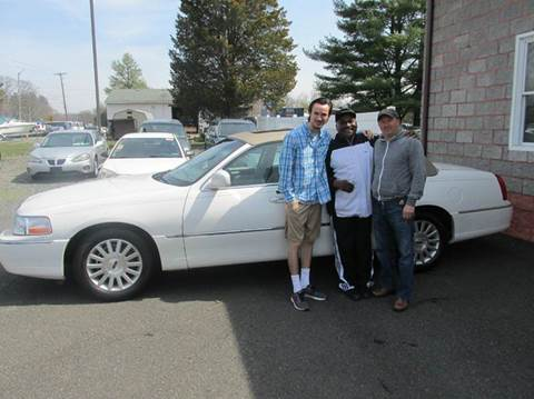 2003 Lincoln Town Car for sale at GEG Automotive in Gilbertsville PA