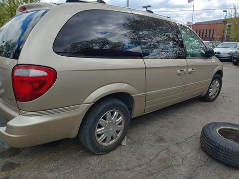 2006 Chrysler Town and Country for sale at Indy Motorsports in St. Charles MO