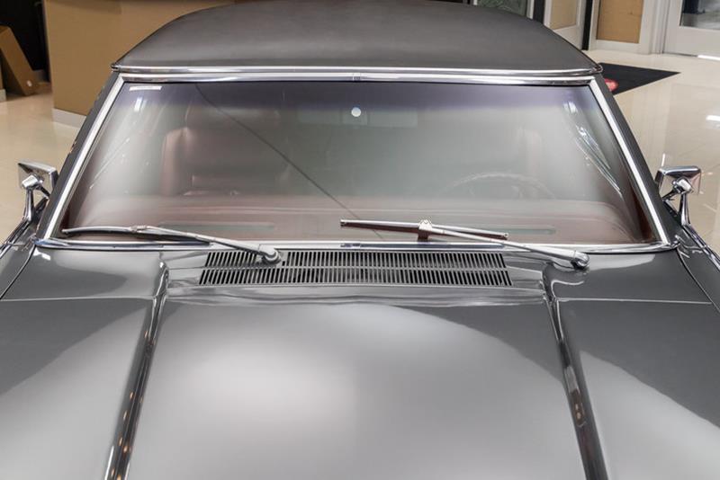 1969 Lincoln Continental 24