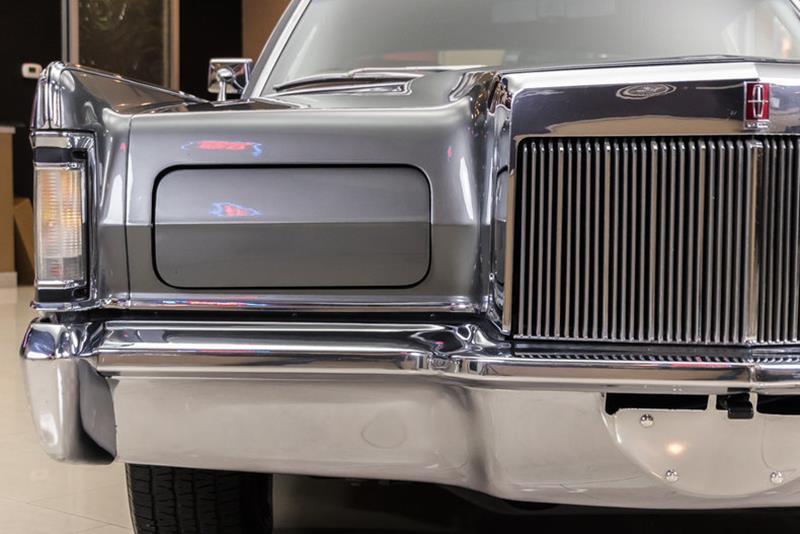 1969 Lincoln Continental 18