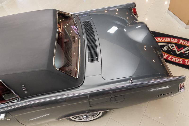 1969 Lincoln Continental 30