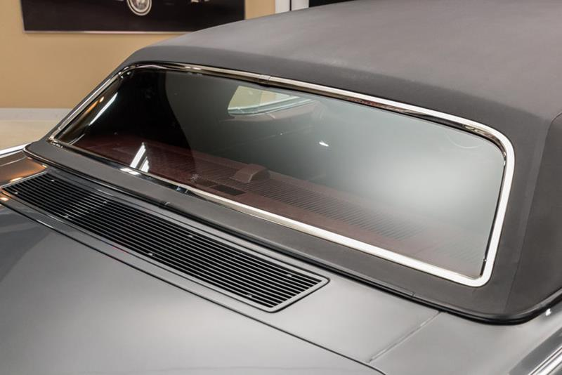 1969 Lincoln Continental 38