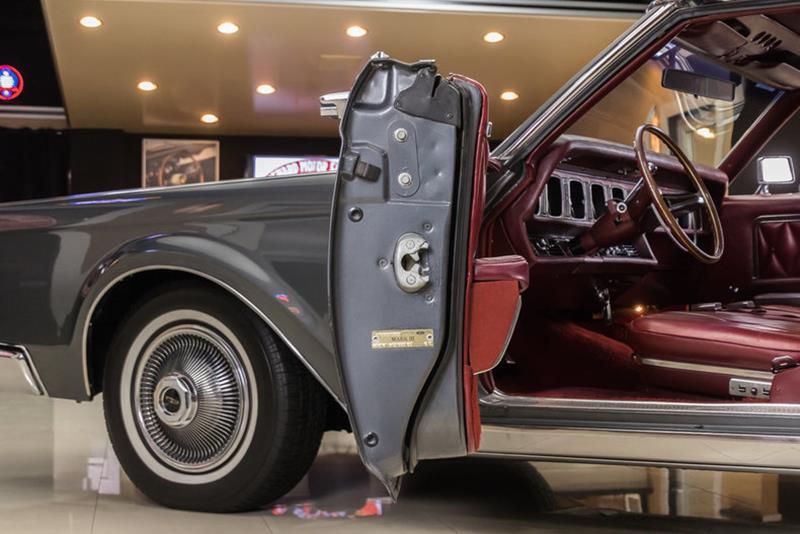 1969 Lincoln Continental 52