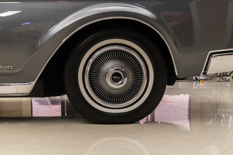 1969 Lincoln Continental 46