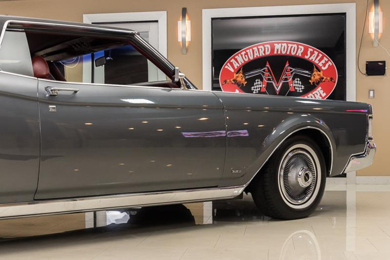 1969 Lincoln Continental 41